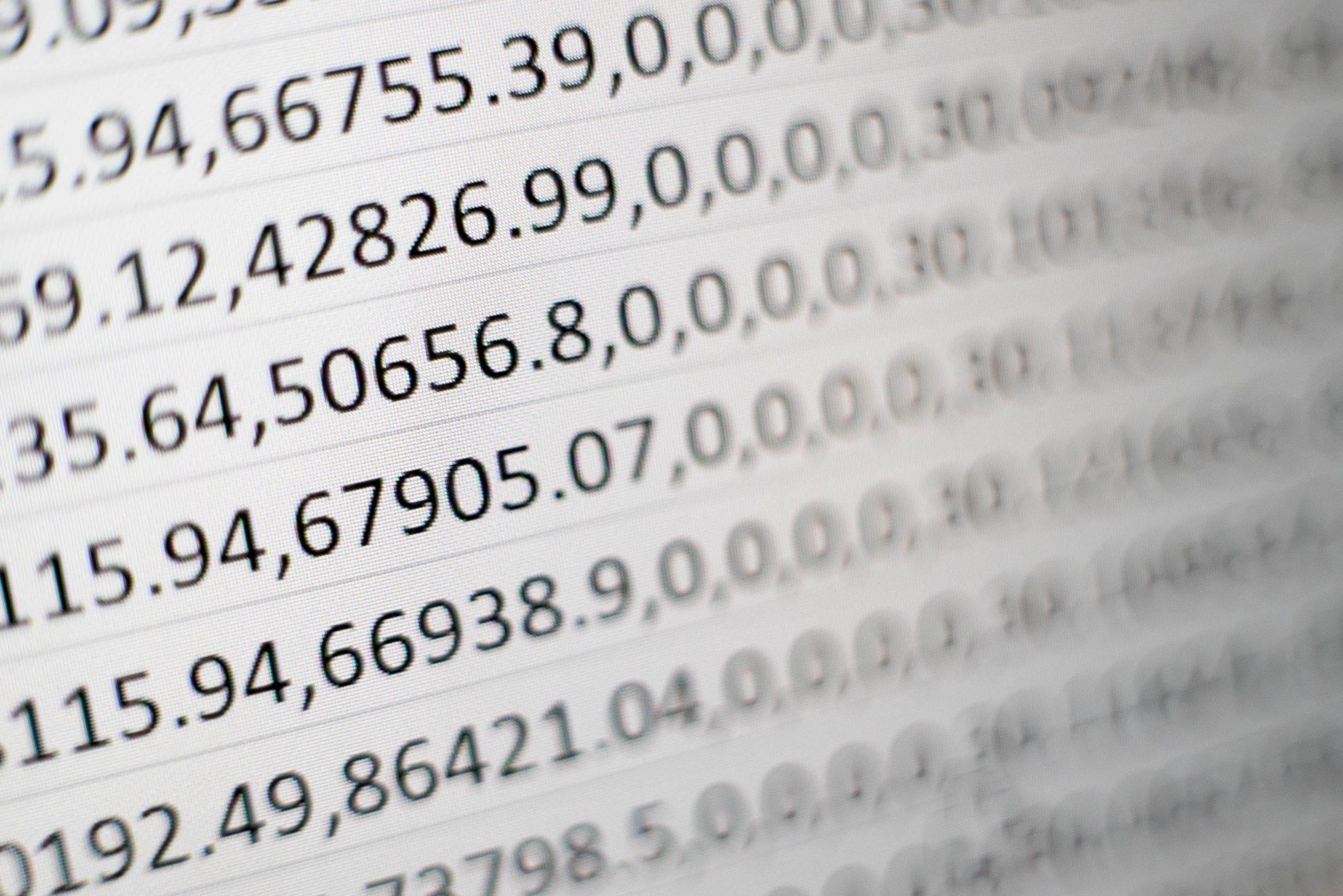 Bild von Code und Zahlen